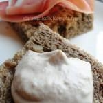 Pane 5 Cereali, Mousse di Tonno e Prosciutto Crudo Dolce: il panino del viaggio!