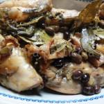 Coniglio morbido e profumato al forno con olive taggiasche