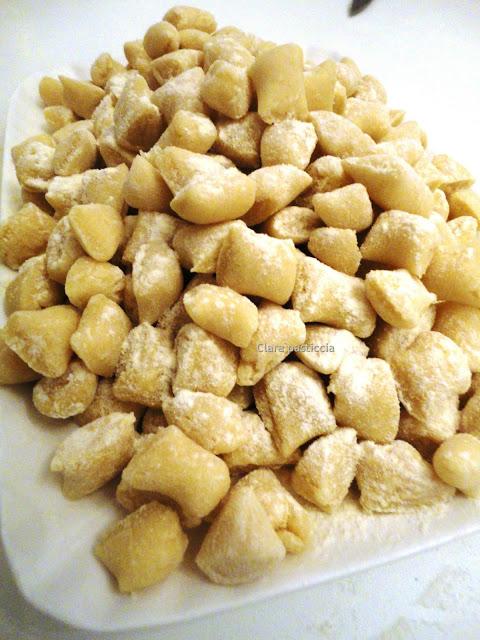 Ricetta Gnocchi Di Patate Abruzzesi.Gnocchetti Di Farina E Acqua Senza Patate Clara Pasticcia