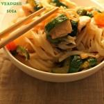 Tagliatelle Thai con pollo, verdure e soia