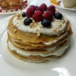 La torta crepes al melograno & lamponi con Bacche di Goji – Realtea e Realcafè